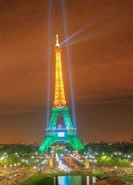 Torre-Eiffel-verde-e-amarela-por-causa-de-ataques-em-Paris-diz-hoax